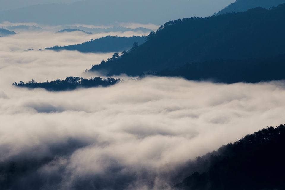 霧那流るる朝に_6