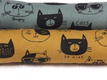眼鏡をかけた猫A