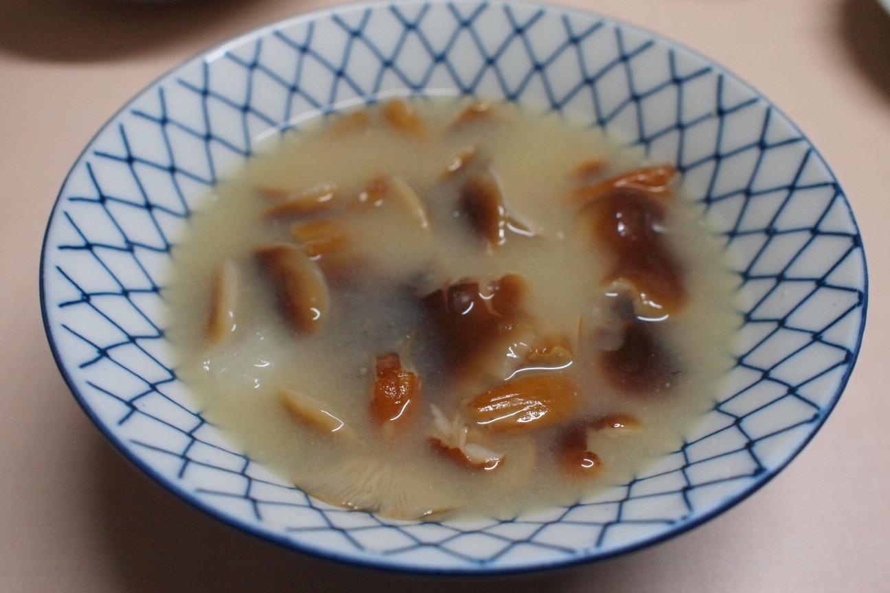 天然エノキの味噌汁
