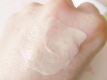 何度も塗り直しがいらない、85%美容液!肌に優しい徹底的なこだわり無添加、UV日焼け止め化粧下地【ヘヴンヴェール】