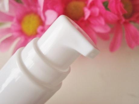 コラーゲン注射1本の効果!ネオダーミル、プチプラ導入美容液【レアウ ボタニカルプラスA ハイドレイティングブースターセラム】