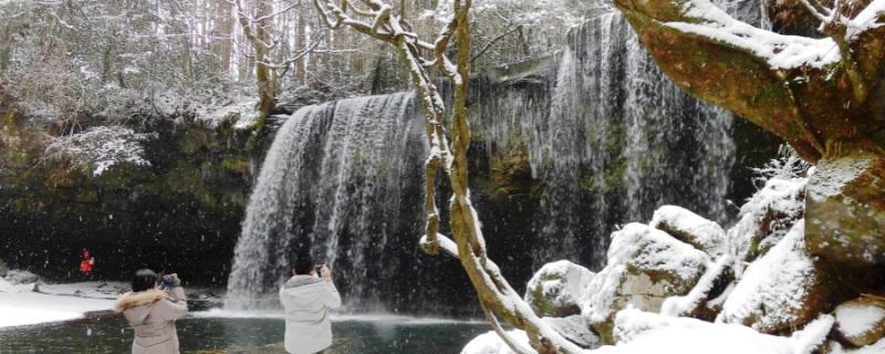 冬の鍋ケ滝